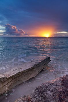 ☀Sunset on Barbuda . part of the two-island Caribbean country of Antiqua and Barbuda . by Adam Parker Photography on Flic Beautiful Sunrise, Beautiful Beaches, Landscape Photography, Nature Photography, Photography Tips, Portrait Photography, Wedding Photography, Foto Picture, Photos Voyages