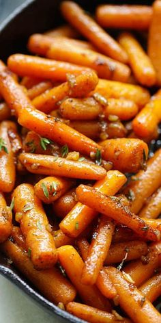 Brown Butter Garlic Honey Roasted Carrots: the best roasted carrots ever with lots of garlic, brown butter and honey | rasamalaysia.com