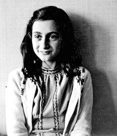 ''Quien es feliz hace feliz a los demás también''. Ana Frank