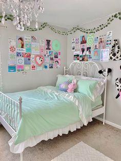 Cute Bedroom Ideas, Room Ideas Bedroom, Bedroom Decor, Bedroom Inspo, Pastel Room Decor, Indie Room Decor, Chambre Indie, Pinterest Room Decor, Room Design Bedroom