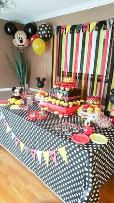 60 ideas birthday party ideas for boys diy mickey mouse Mickey Mouse Birthday Decorations, Mickey Mouse Theme Party, Mickey 1st Birthdays, Fiesta Mickey Mouse, Boys First Birthday Party Ideas, Mickey Mouse First Birthday, Mickey Mouse Baby Shower, Mickey Mouse Clubhouse Birthday Party, 2nd Birthday