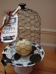 wire cloche-- I'm going to try this ... the tutorial on the link is very easy sounding.