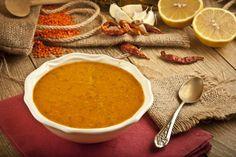 Zuppa depurativa di lenticchie rosse, curcuma e zenzero