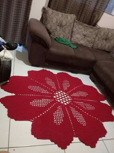 Tapete malagueta Crochet Motifs, Filet Crochet, Crochet Doilies, Crochet Stitches, Crochet Toddler, Crochet Home, Knitting Patterns, Crochet Patterns, Knitted Afghans