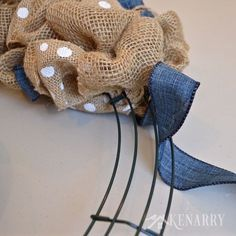 Love this denim and dots burlap wreath tutorial! It's an easy DIY craft using two different accent ribbons to create beautiful home decor. Ribbon Wreath Tutorial, Burlap Ribbon Wreaths, Easy Burlap Wreath, Burlap Crafts, Wreath Crafts, Deco Mesh Wreaths, Wreath Ideas, Yarn Wreaths, Burlap Projects