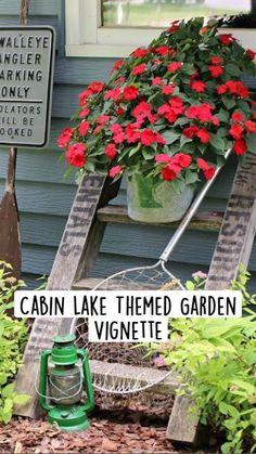 Garden Paths, Garden Art, Diy Planters Outdoor, Inside Plants, Garden Junk, Rustic Cabin Decor, Backyard Landscaping, Landscaping Ideas, Woodland Garden