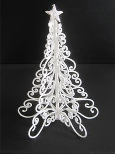 Sugarcraft > Christmas Inspiration: Filigree Christmas Tree – Squires Kitchen Cookery School