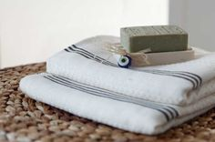 Turkish Peshtemal/Hammam towels of the ultimately highest quality; Cheap Beach Towels, Large Beach Towels, Cotton Blankets, Cotton Towels, Wardrobes Uk, Wardrobe Design, Fun To Be One, Color Mixing, Hand Weaving