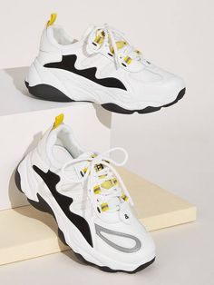 To find out about the Lace-up Front Chunky Sole Sneakers at SHEIN, part of our latest Sneakers ready to shop online today! Sporty Outfits Nike, Sneakers Fashion Outfits, Nike Shoes Outfits, Fashion Shoes, Dr Shoes, Hype Shoes, Shoes Sneakers, Muses Shoes, Kawaii Shoes