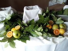 Decorate your buffet table with food | Wedding Decorator Blog