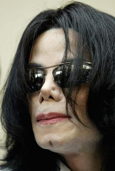 Extreme close up of Michael Jackson during his trial.