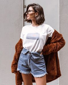 103 trendy brown hair color ideas you can try brown hair colors brown hair with Casual Outfits, Cute Outfits, Short Hair Fashion Outfits, Outfits With Short Hair, Simple Outfits, Outfit Trends, Outfit Ideas, Brown Hair Colors, Hair Looks