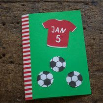 Football Birthday, Birthday Kids, Mother And Child, Drink Sleeves, Birthday Invitations, Baby Kids, Easy Diy, Kindergarten, Creations