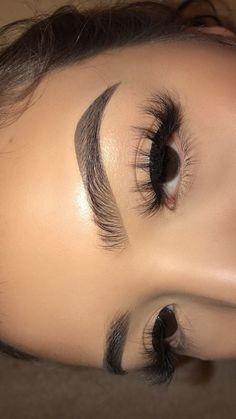 Eyebrows & Lashes On Point! Eyebrows & Lashes On Point! Eyebrows & Lashes On Point! Cute Makeup, Glam Makeup, Pretty Makeup, Makeup Inspo, Makeup Inspiration, Makeup Style, Eyebrow Makeup, Skin Makeup, Makeup Goals
