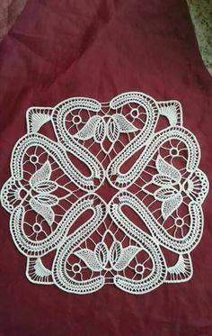 This Pin was discovered by Nur Russian Crochet, Japanese Crochet, Irish Crochet, Crochet Cord, Crochet Lace, Hungarian Embroidery, Hand Embroidery, Lace Patterns, Textile Patterns