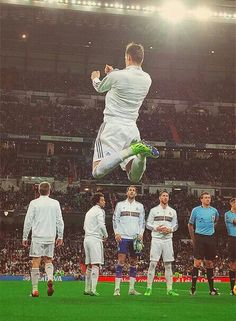 Gareth Bale! Look at how high he jumps... like for REAL.