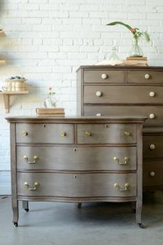 General finishes milk paint driftwood- Try this with our new Restore brushes Gray Painted Furniture, Chalk Paint Furniture, Find Furniture, Repurposed Furniture, Furniture Projects, Furniture Makeover, Furniture Decor, Refinished Furniture, Diy Projects