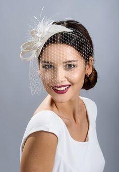 Ivory white, natural white wedding fascinator the face veil. Bridal Fascinator, Black Fascinator, Wedding Fascinators, Fascinator Hats, Face Veil, Cocktail Hat, Fancy Hats, White Bridal, Hair Accessories