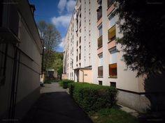 Eladó Egyetemvárosi mfszt-i 2,5 szobás lakás!