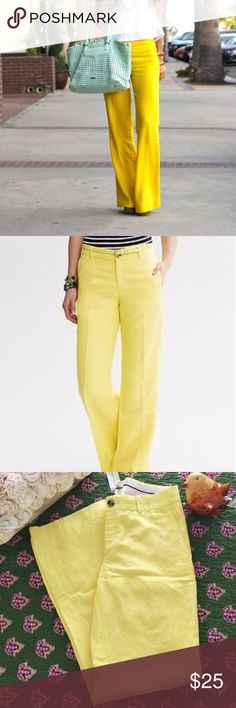 """Banana Republic yellow linen pants wide sz 4 Perfect linen pant for summer in a cool yellow summer color. Flat front. Wide leg. Relaxed fit. Zip front. Belt loops. Front and back pockets. 30"""" Length. 32"""" inseam. Banana Republic Pants Boot Cut & Flare"""