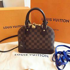 Dashingly Elevating (@dashinglyelevating) op Instagram: 'My first Louis Vuitton baby: Alma BB. ❤'