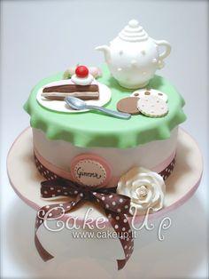 TEA TIME CANDIES CAKE