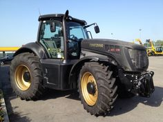 A unique fully Black JCB Fastrac tractor! Other models of used farm tractors at http://www.agriaffaires.co.uk/used/1/farm-tractor.html