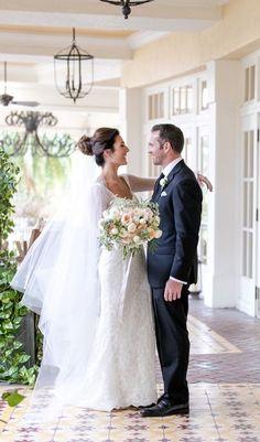 Chic Naples Wedding | Sara Gabriel 'Stephanie' veil | Set Free Photography