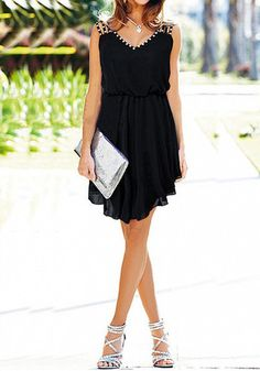This black chiffon dress is the answer to that what-to-wear-for-date-night dilemmas. It has faux rhinestones adorned at the neck and shoulde...
