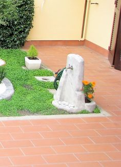 Fontanella da giardino modello Grand Canyon color antichizzato, località: Bentivoglio (Bologna)
