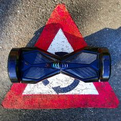 #eblade etiquette 101: don't run over your friend's foot!   #scooter #traffic #selfbalancingscooter #segway #segwayboard #segwayhoverboard ##hoverboard #hoverboardsegway #phunkeeduck #iohawk #airboard #uwheels