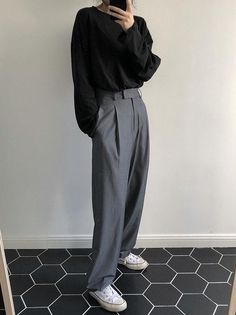 Korean Fashion Styles 580190364483014538 - Comfortable Loose Grey Empire Suit Pants Source by lbenoitcolin Look Fashion, Korean Fashion, Fashion Outfits, Fashion Mask, Mens Fashion, Grey Fashion, Unisex Fashion, Fashion Pants, Ladies Fashion