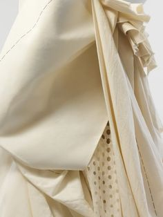 Yohji Yamamoto - Wedding Dress, Spring/Summer 2000 (detail).   Natural cotton muslin and ivory silk jersey