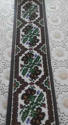 Kids Shirts, Types Of Shirts, Cross Stitch Patterns, Bohemian Rug, Diy And Crafts, Design Inspiration, Embroidery, Floral, Costume