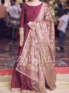 Shadi Dresses, Pakistani Formal Dresses, Pakistani Dress Design, Pakistani Fashion Party Wear, Pakistani Wedding Outfits, Bridal Outfits, Indian Fashion, Womens Fashion, Fancy Wedding Dresses