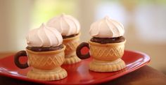 These Edible Tea Cups Are So Dainty, But I'll Be Eating It For Dessert! When you're finished with you dessert, why not eat the cup. These edible tea cups are so adorable that you'll want to eat all of your desserts from them. Dessert Cups, Dessert Table, Dessert Recipes, Tea Recipes, Cheesecake Recipes, Afternoon Snacks, Afternoon Tea, Edible Tea Cups, Tea Time