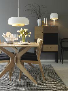 VASS matgrupp och CASANOVA lampor #SvenskaHem #Matbord #Detaljer #Vitoljad #Pholc #LinieDesign
