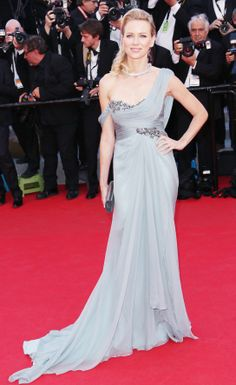 Naomi Watts in a Marchesa blue silk chiffon gown and Bulgari jewelry on the #redcarpet at #Cannes2014.