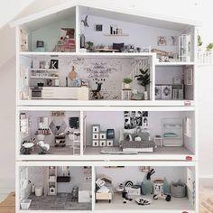 Fine-looking dollhouse tutorials Modern Dollhouse Furniture, Diy Barbie Furniture, Wooden Dollhouse, Diy Dollhouse, Dollhouse Miniatures, Dollhouse Tutorials, Cardboard Crafts Kids, Doll House Plans, Barbie Doll House