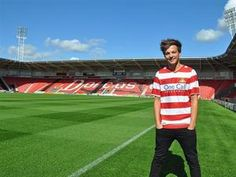 Louis Tomlinson signs to Doncaster Rovers!