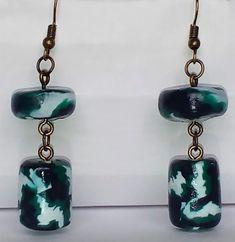 "Items similar to Earrings ""Cielo Verde"" unique on Etsy Maneki Neko, Jewelry Shop, Jewelry Accessories, Jewellery, Punk Fashion, Fashion Tips, Fashion Design, Hand Shapes, Minimalist Fashion"