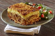 The best pastitsio Pastichio Recipe, Greek Pastitsio, Cyprus Food, The Kitchen Food Network, Middle East Food, Chocolate Fudge Frosting, Gluten Free Noodles, Egyptian Food, Greek Dishes