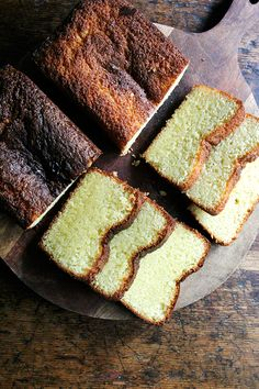This lemon loaf cake, a Yotam Ottolenghi recipe, is incredibly moist and perfectly sweet. It's as delicious as for brunch or tea as for dessert. Cupcakes, Cupcake Cakes, Cakes Made With Oil, Ottolenghi Recipes, Yotam Ottolenghi, Delicious Desserts, Dessert Recipes, Cake Recipes, Smoothies