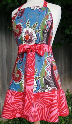 Chic Sisters Apron