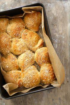 eltefrie rundstykker Bread Recipes, Cooking Recipes, 5 Ingredient Recipes, Danish Food, No Knead Bread, Recipe Boards, No Bake Treats, Bread Rolls, Kitchen Essentials