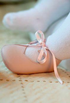 such cute little feet!!! The Shoe is cute too! ;)