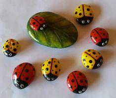 Piedras Pintadas...by Claudia Mirkin #piedraspintadas #vaquitasdesanantonio #mariquitas
