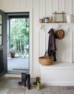 Board and batten entryway walls, mudroom Modern Farmhouse, Farmhouse Style, Farmhouse Decor, Farmhouse Bench, Interior Exterior, Interior Design, Porch Interior, Interior Decorating, Board And Batten