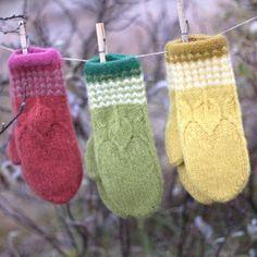 Fingerless Mittens, Knit Mittens, Knitted Gloves, Knitting Socks, Hand Knitting, Knitting Designs, Knitting Projects, Knitting Patterns, Christmas Bazaar Ideas