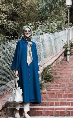 Modern Hijab Fashion, Muslim Women Fashion, Islamic Fashion, Abaya Fashion, Modest Fashion, Fashion Dresses, Women's Dresses, Casual Dresses, Modele Hijab